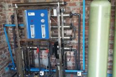 1000-LPH-Reverse-Osmosis-Unit-With-Stand-And-Treatment-Vessels-ESKOM