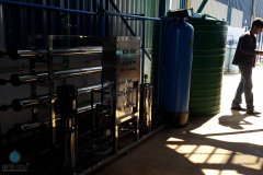 2000-LPH-Industrial-Reverse-Osmosis-System-With-Skid-And-Activated-Carbon-Vessel
