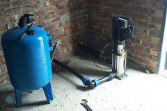 Vertical-Multi-Stage-Pump-With-Pressure-Tank-2