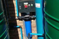Big-Blue-Filter-Media-Vessel-Storage-Tanks-Pump-And-Control-Box